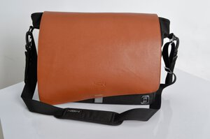 86 Moon Messenger Bag M029520-00000