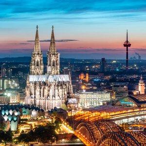 3320840-00000 Köln bei Nacht IV 30x30 cm