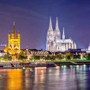 3320849-00000 Köln bei Nacht VII 30x30 cm