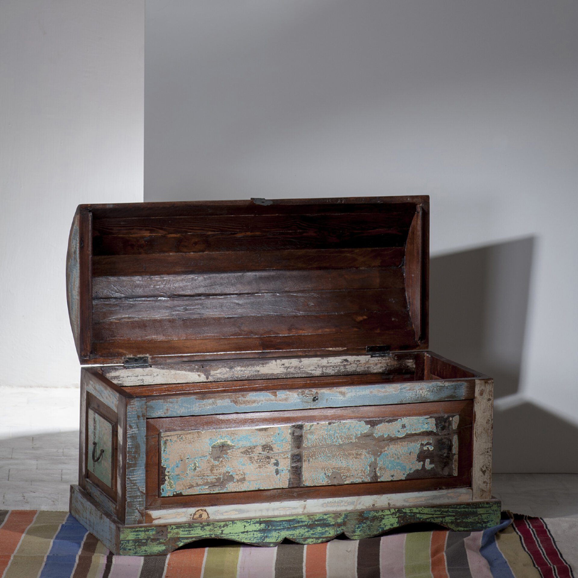 Bunte Holztruhe - Vintage