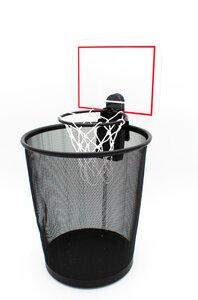 3316357-00000 Basketball Korb für den Müllei