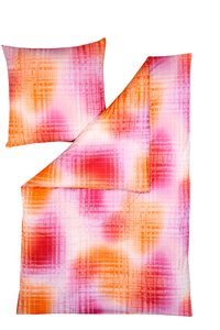 81 Estella Lucian pink